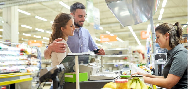 picture of couple in supermarket
